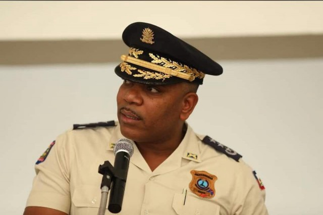 """Disparition de Vladjimir Legagneur: """"L'enquete policière suit son cours"""", selon Michel-Ange Gédéon"""