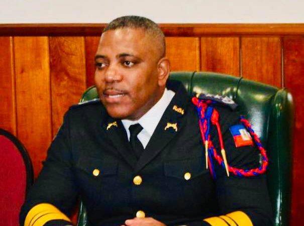 Le directeur général de la PNH et le ministre de la justice condamnent le pillage et l'incendie des entreprises privées
