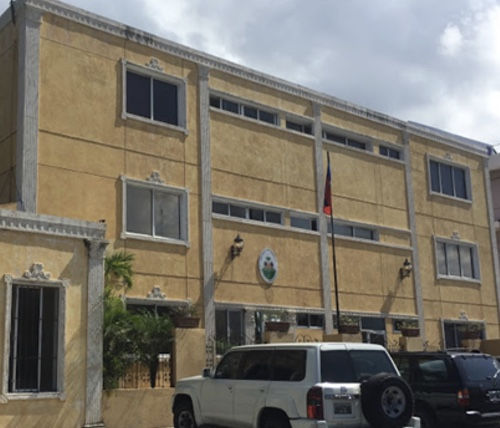 Réseaux de faussaires: l'ambassade haïtienne en RD impliquée, des employés interpellés