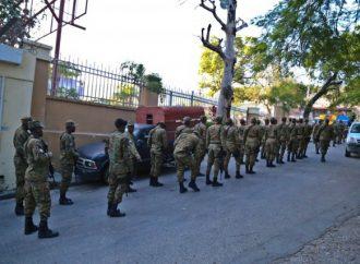 Dix-neuf policiers affectés au Palais national interdits d'y remettre les pieds