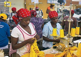 Salaire minimum: des ouvriers protestent contre les 420 gourdes