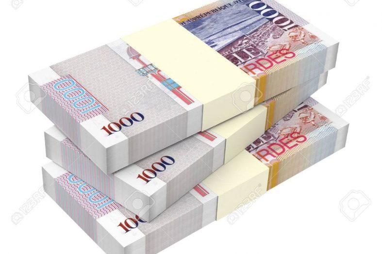 Paiement par virement bancaire, Ronald Décembre veut retourner à l'ancienne pratique