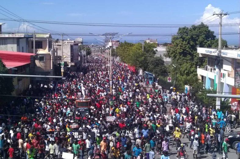 Manifestation 18 novembre: Une personne tuée à Pétion- ville, la PNH se prononce