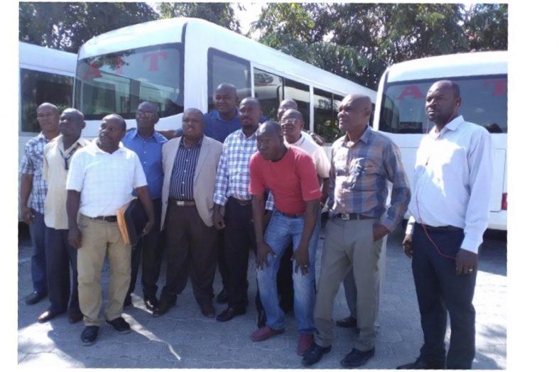 Jovenel Moïse honore ses promesses envers les syndicats des transports en commun
