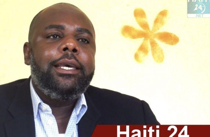 En costume de militant, Yvon Bonhomme demande des comptes au Gouvernement