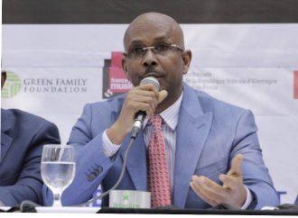 Cabinet ministériel: Cinq anciens ministres censurés reconduits, la séance au Sénat reportée
