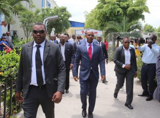 Haïti / Politique  La séance  de ratification de la déclaration de politique générale de Jean Michel Lapin bloquée par des Sénateurs de l'opposition