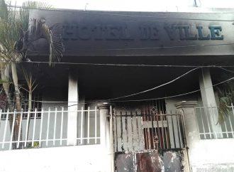 Tentative d'incendie à la marie de Mirebalais, l'édile accuse des adversaires politiques