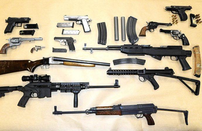 La vente de munitions, un commerce qui rapporte gros et contrôlé par 11 personnes