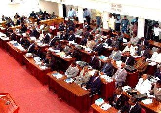 Éditorial :Parlementaires de mauvaise foi ou maîtres du temps?
