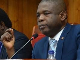 """""""Les députés partent en vacances,le Sénat reste en éveil constant et attentif"""", garantit Cantave"""