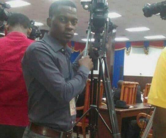 Un militant de l'opposition agresse un cameraman de télé Métropole