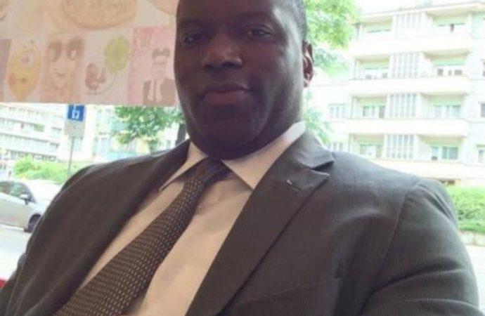 Le fils de l'ex-sénateur Andris Riché révoqué pour corruption, confirme le MAE