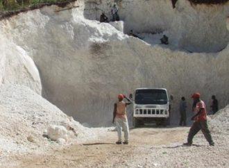 Miragoâne: Six personnes perdent la vie dans l'effondrement d'une mine de sable