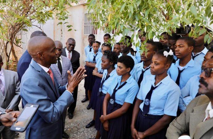 Éducation: Jovenel Moïse  visite les chantiers du lycée Jean-Jacques Dessalines