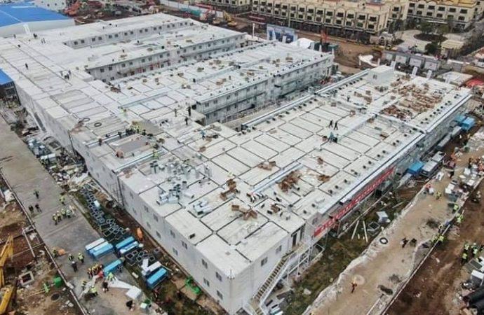 Coronavirus: en moins de deux semaines les Chinois ont construit un grand hôpital