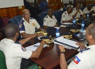 Des policiers continuent d'exiger la réintégration des 5 agents révoqués