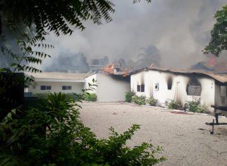 Situation de tension à Carriès, deux plages incendiées