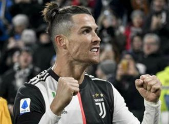 Le footballeur portugais Cristiano Ronaldo, milliardaire !