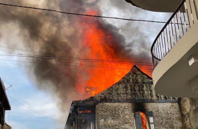 Violent incendie au Cap-Haïtien : au moins deux maisons incendiées