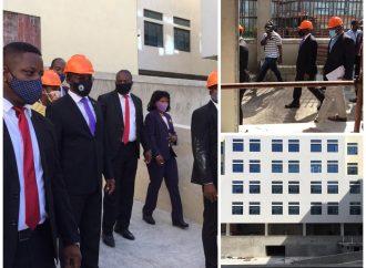 De plus en plus effacé, Joseph Jouthe a visité des bâtiments de la Cité administrative