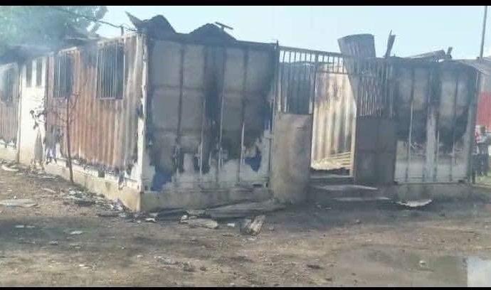 Protestation : un tribunal de paix incendié, des étudiants indexés