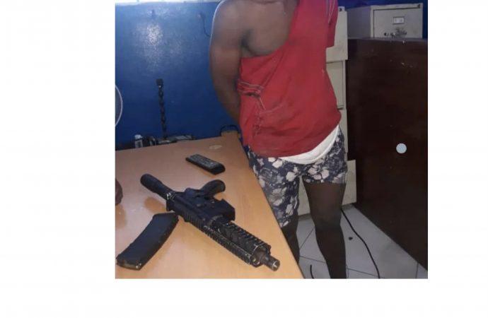Delmas : Un jeune homme de 18 ans arrêté en possession d'un fusil M4