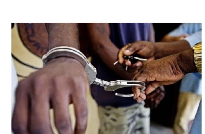 """Sécurité : Deux membres du gang """"400 mawozo"""" arrêtés"""
