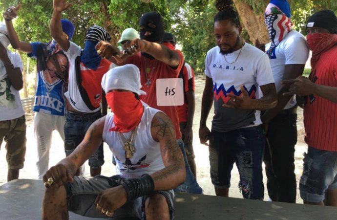 Opération policière musclée dans le fief du gang « 400 marozo »