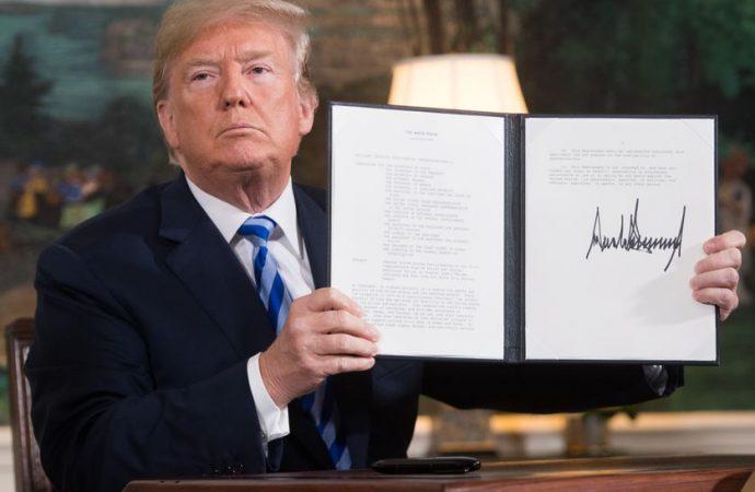 Sous la pression, Donald Trump ratifie le plan de relance américain