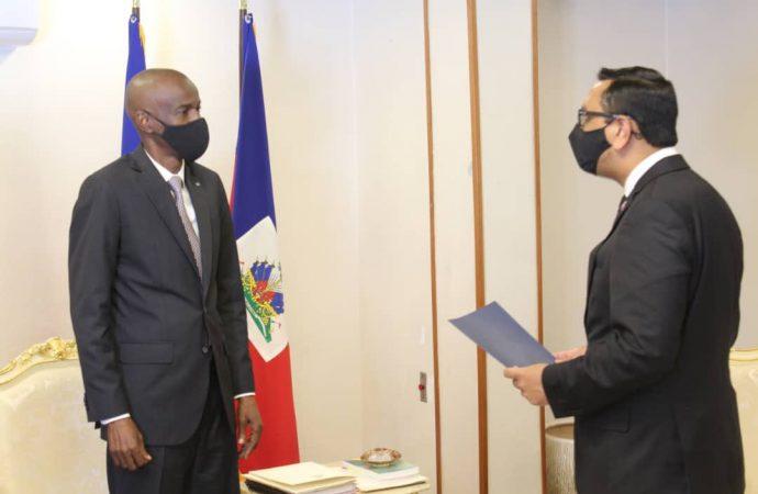 Jovenel Moïse reçoit les lettres de créance des ambassadeurs de la Grande Bretagne et de la République Dominicaine