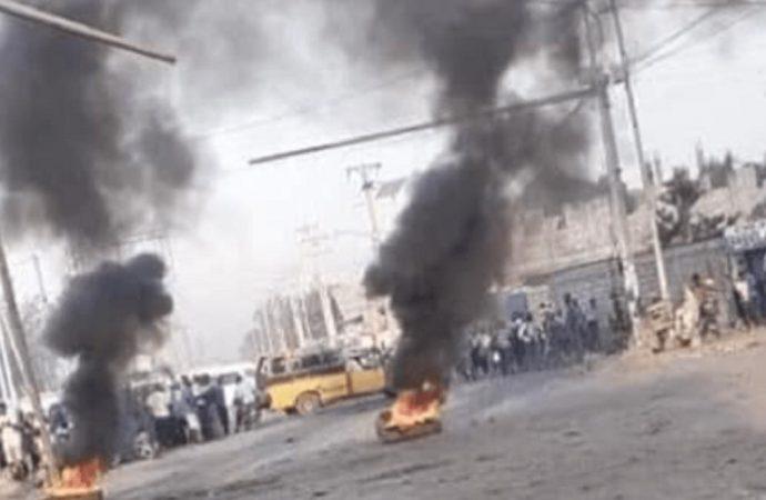 Grève spontanée pour exiger la libération d'un chauffeur de bus kidnappé à Portail Léogane