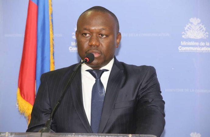 Le nouveau secrétaire d'État à la communication, Frantz Exantus, installé dans ses fonctions